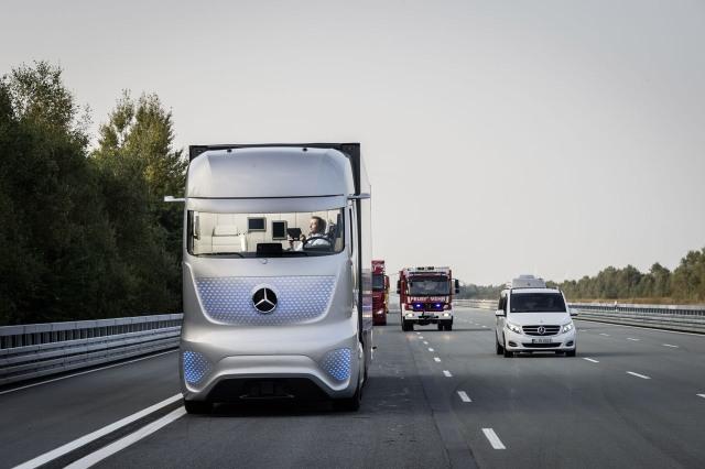 mercedes-future-truck-2025-055-1