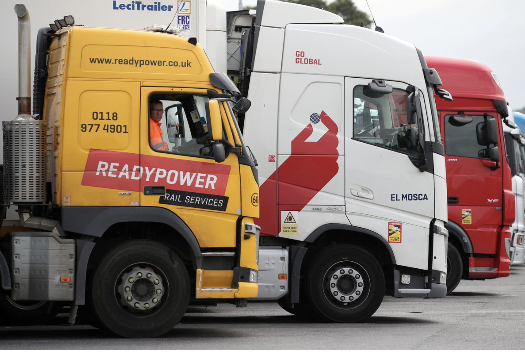 UK urgently needs 5,000 truck drivers to solve supply problems in products such as gasoline